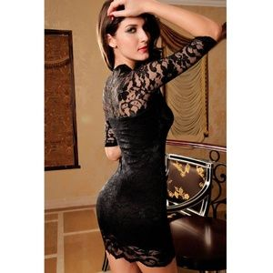 Nwt Gorgeous little black lace dress Size Small